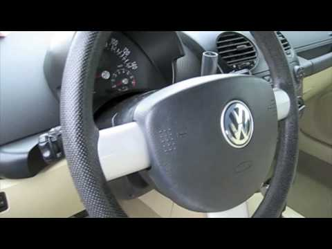 2004 Volkswagen Beetle Convertible Start Up, Engine, and In Depth Tour
