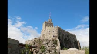 видео Путеводитель по Грузии: Ахалцихе и пещерный монастырь Вардзия