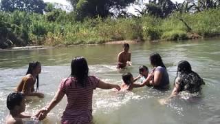 Video Mandi di sungai halung kalsel download MP3, 3GP, MP4, WEBM, AVI, FLV November 2017