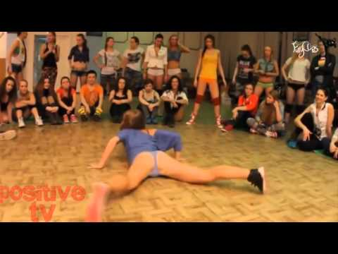 подборка танцев попой 2016 (18+) смотреть всем)