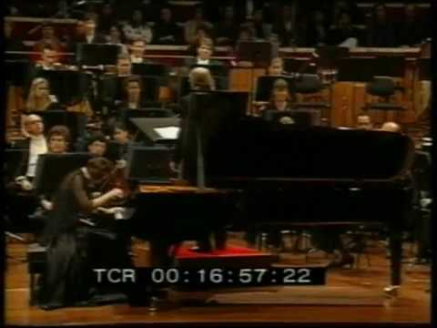Брамс. Концерт N 1(2). Вера Каменева и Сиднейский симфонический оркестр. Дирижёр Эдуард Чивзель