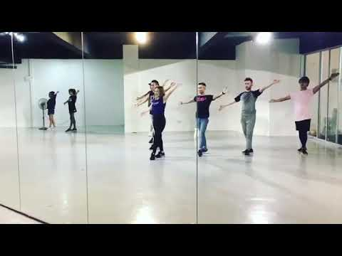 Stacy Belanje Sikit dance Step - Cakap ke tangan