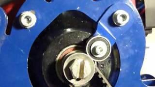 Прижимной ролик и зубчатый ремень(, 2011-01-27T21:56:29.000Z)