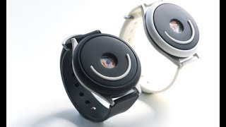 Doppel Rhythmic pulse wrist wearable to stay calm and focused