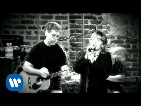 Cerys Matthews - Only A Fool (Official Music Video)