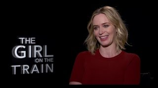 Emily Blunt Borracha y Embarazada en el Set de La Chica Del Tren Entrevista en Español