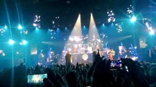 Cheek - Syypää Sun Hymyyn ft. Yasmine Yamajako @ Helsingin jäähalli 21.9.2013 HD