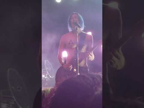 I Knew You When (Live) - Marianas Trench