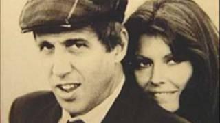 Adriano Celentano e Claudia Mori -seguiro