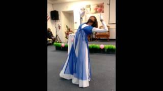 Smokie Norful - Dear God (praise dance)