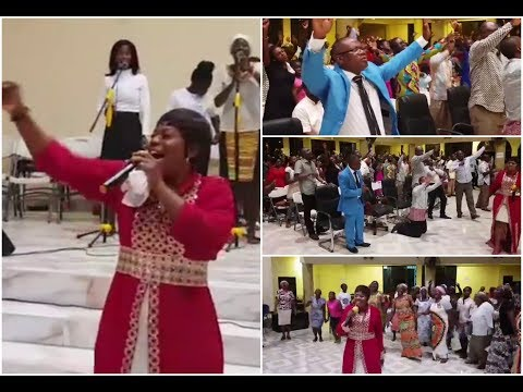 Oh Yes.. It's Amazing.. Piesie Esther Hour Of Praise & Worship.. Live @Church Of Pentecost Sowutuom.