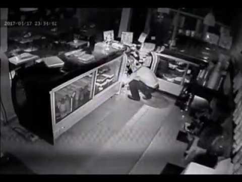 Difunden video de ladrón que saqueó famosa pastelería