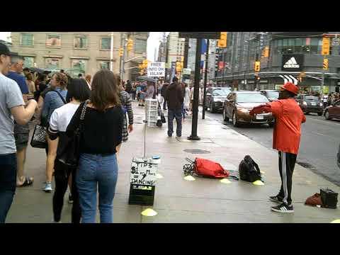 Торонто. Перекрёсток свободы мнений.