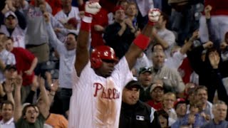 Ryan Howard hits a walk-off single for Phils