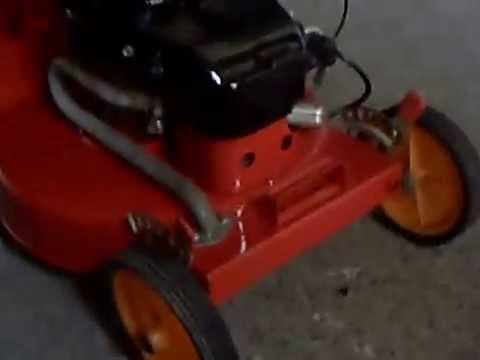 Die Kindermotorräder auf dem Benzin von 12 Jahren der Preis