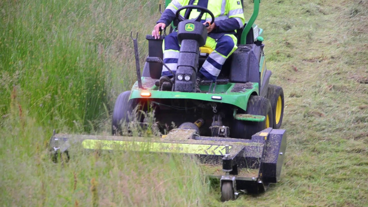 Front mounted flail mower for compact tractor   GreenTec FM 16 & 18 Park  (EN)