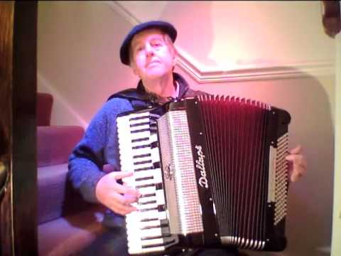 Poussin Bleu,French musette music on a Dallape Artist accordion