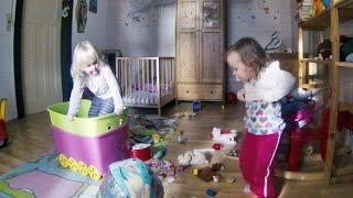 Zwillinge bei der Arbeit – Kinderzimmer gestalten im Chaos Design - lustige Kindervideos