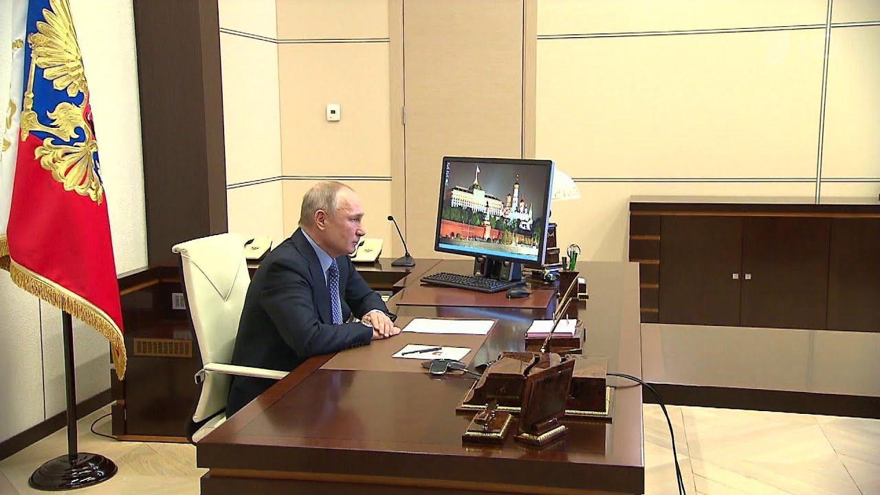 В России удалось не допустить самого тяжелого сценария с коронавирусом, отметил Владимир Путин.