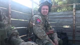 Бійці Правого сектора танцюють перед виїздом на Красногорівку