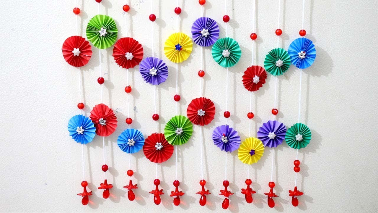 Paper crafts for wall decor for Decorative flowers for crafts