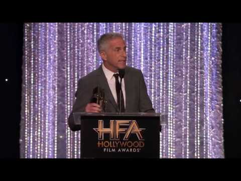 Aaron Eckhart Presents Producer Award to Marc Platt - Hollywood Film Awards 2016