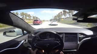 Tesla Model S AP2.0 8.1(17.11.3) Autosteer Close call with Merging Car