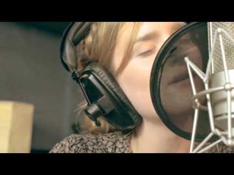 Strangers - Laura James - Live at Parr St Studios, Liverpool