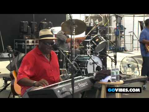 "The Taj Mahal Trio Performs ""Blues With A Feeling"" at Gathering of the Vibes 2011"