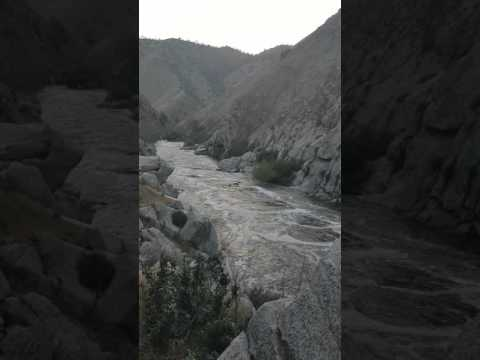 Kern river Bakersfield California USA Длина 264 км