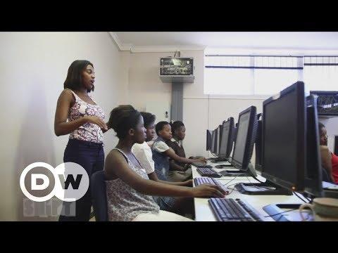Programmieren für Mädchen in Südafrika | DW Deutsch