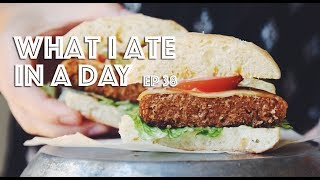 WHAT I ATE IN A DAY (VEGAN) // EP #38 // THE BEYOND BURGER TASTE TEST // Lauren In Real Life