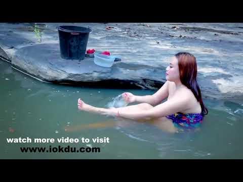 Hot Cambodian Girl Bathing leaked Video thumbnail
