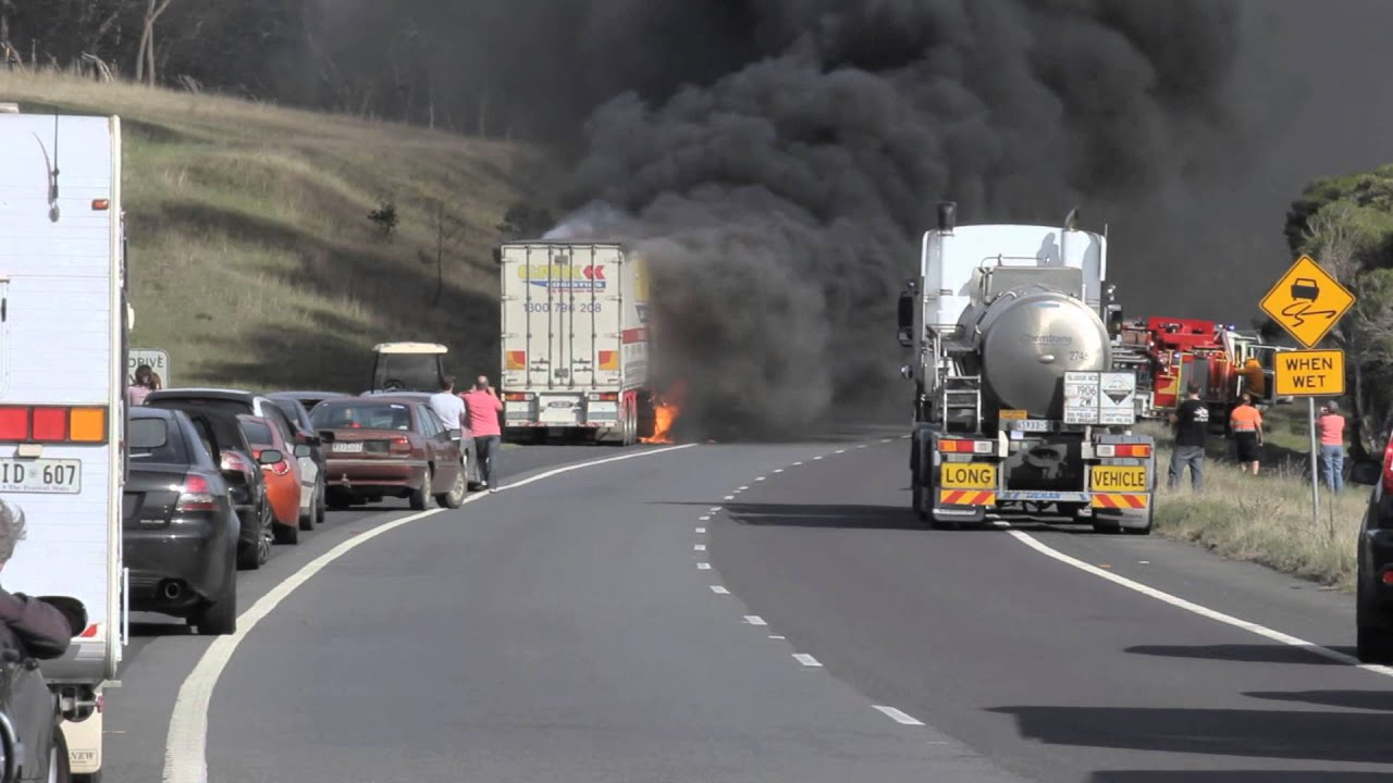 truck on fire hume highway 21042013 wandong kilmore