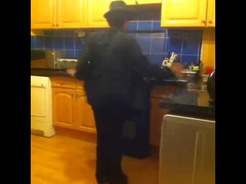 How Michael Jackson Moves Around The Kitchen   Funniest Best Vines Adnan Mansoor [Best Vines]
