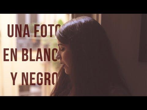 El Canto Del Loco - Una Foto En Blanco Y Negro   Bely Basarte