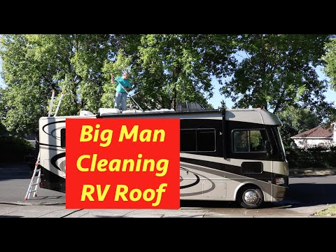 RV Roof Cleaning E41
