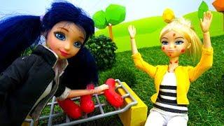Маринетт ЛедиБаг, Барби и Хлоя. Видео для девочек. На пикнике