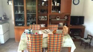 Lipomo: Villa Bifamiliare Oltre 5 locali in Vendita