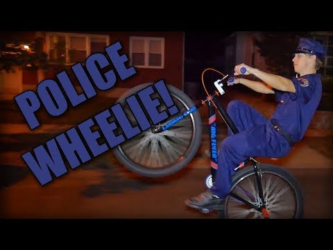 POLICE OFFICER WHEELING IN NYC STREETS! (HAPPY HALLOWEEN)