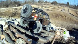 Jeep Rubicon hits the rocks at Cosmo RC Park, Columbia, Missouri