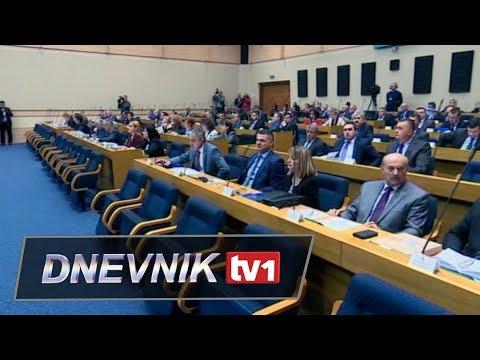 Haos u Skupštini RS - Dodik iznenadni gost