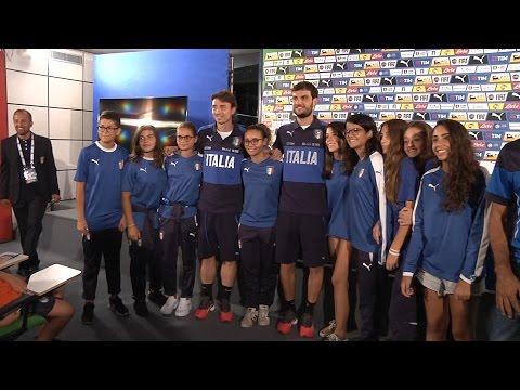Montolivo e Parolo intervistati da 52 piccoli Reporter Azzurri!