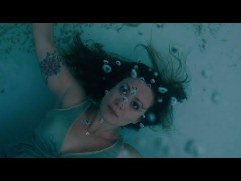 Marissa Nadler - Bessie, Did You Make It? (Official Music Video)