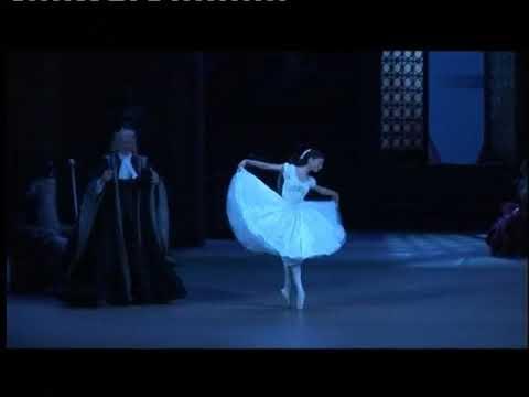Nina Kaptsova as Swanilda playing a doll 1