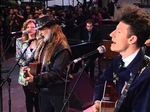 Lyle Lovett - Farther Down the Line (Live at Farm Aid 1993)
