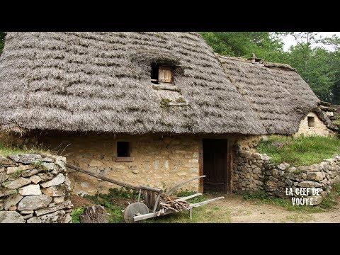 Les Fermes Du Moyen-Âge, L'un Des Plus Beaux Villages De France