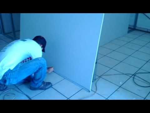 Divisi n de local con muros de tablaroca youtube - Como hacer un closet en una habitacion ...