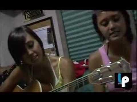 "Meg And Dia ""Monster"" Acoustic!"