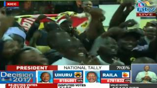Video Jubilee supporters celebrate at KICC ahead of presidential results announcement download MP3, 3GP, MP4, WEBM, AVI, FLV Agustus 2017